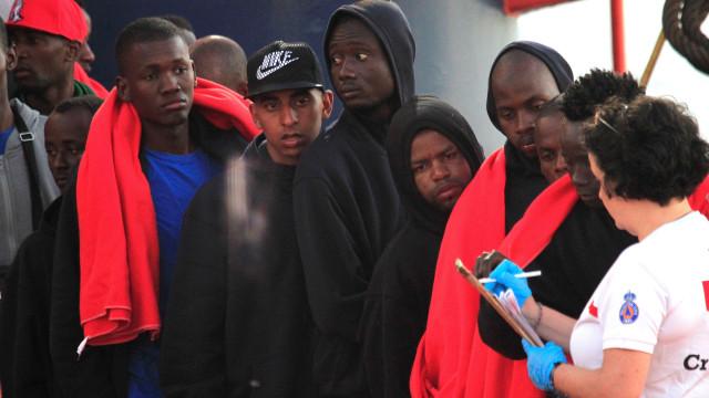 Mais de 50 pessoas salvas de embarcação pneumática que partiu de Marrocos