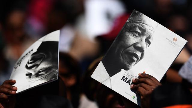 Tributo a Mandela soma 40 mil participantes
