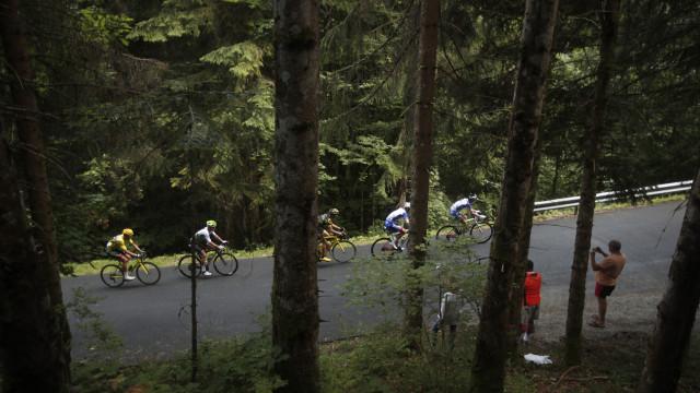 Alaphillippe vence primeira etapa de montanha do Tour