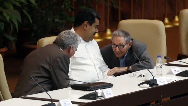 """Maduro solidário com Ortega no combate à """"violência e o terrorismo"""""""