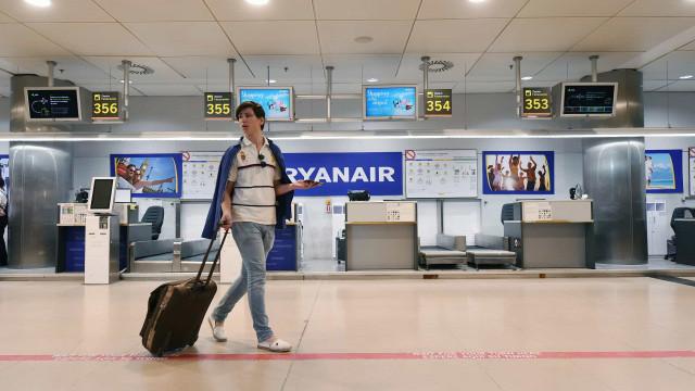 Ryanair garante não haver interrupções mas pede desculpa aos passageiros