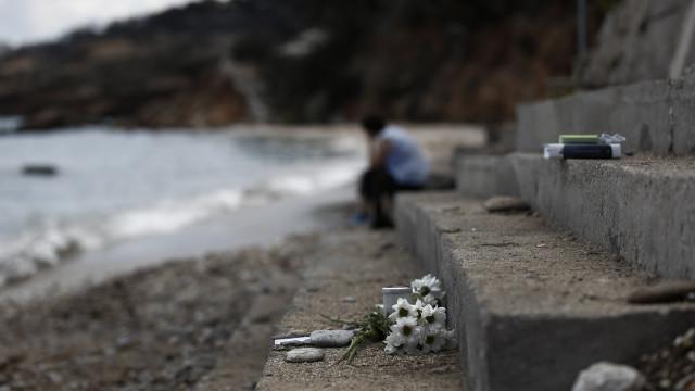 Balanço de mortos em incêndio na Grécia subiu para 93