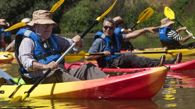 Gravuras do Côa podem ser visitadas através do rio a bordo de uma canoa