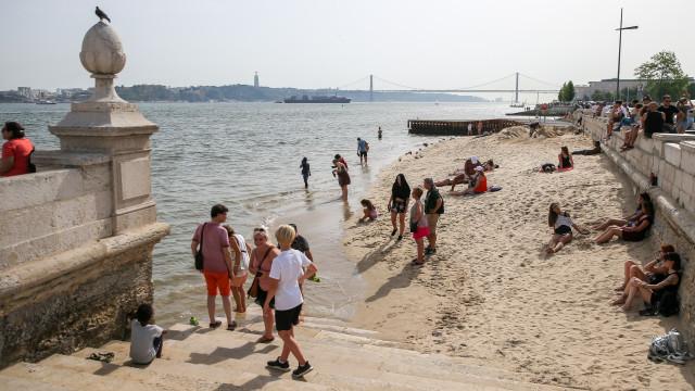 Investigadores detetam 32 fármacos nas águas do Tejo