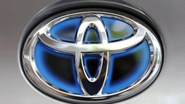 Toyota recolhe 13 mil carros na China devido a defeitos no faróis
