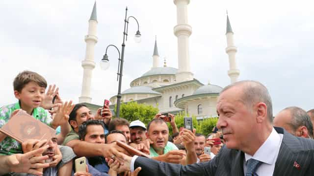 Presidente turco pede congelamento de bens de políticos norte-americanos