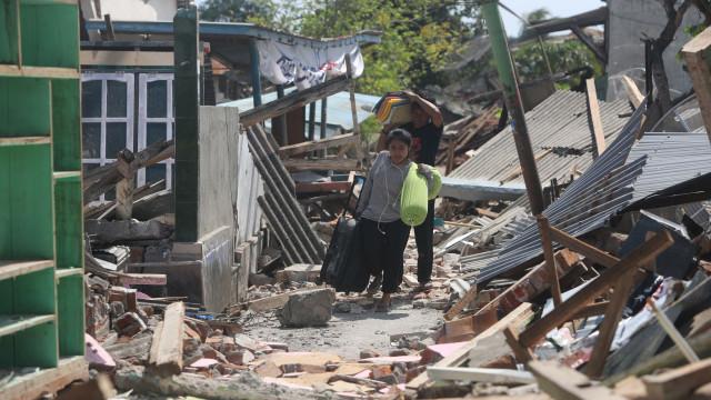 Sismo de 6,3 atinge novamente ilha de Lombok na Indonésia