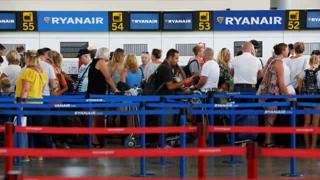 Ryanair arrisca-se a pagar compensação de 33 milhões a passageiros