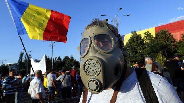 Milhares de romenos condenam em Bucareste violência policial