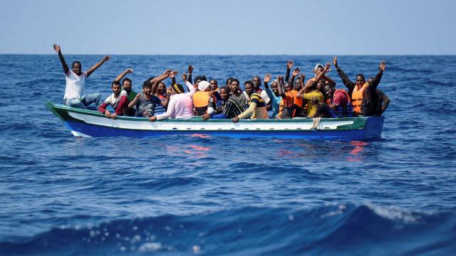Mais de 4.200 pessoas chegaram à Europa por mar em 16 dias