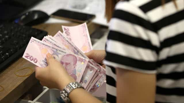 Wall Street fecha em baixa com queda da moeda turca a inquietar