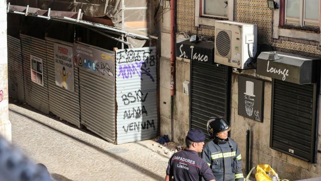 Uma vítima mortal confirmada em derrocada de prédio em Lisboa