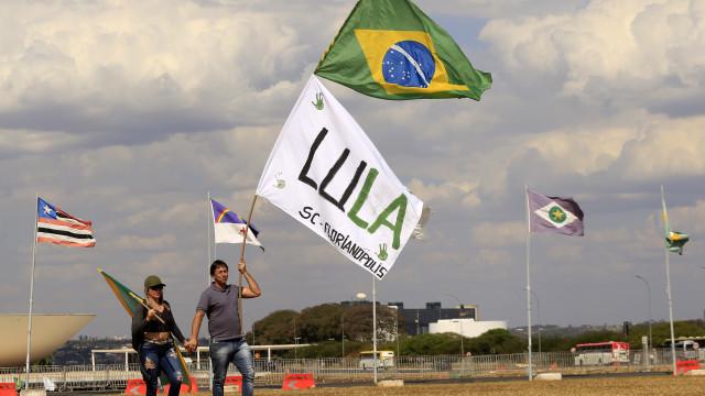 Procuradora-geral impugna candidatura presidencial de Lula da Silva