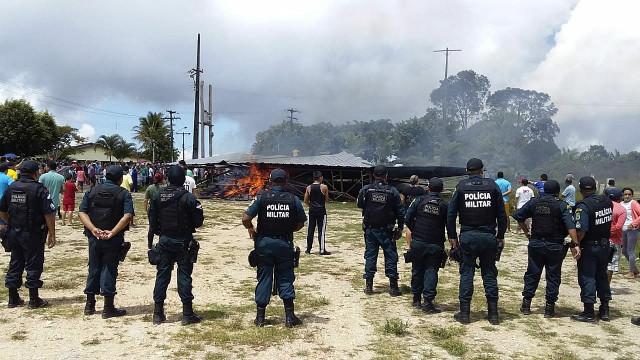 Governadora brasileira promete fechar fronteira com a Venezuela