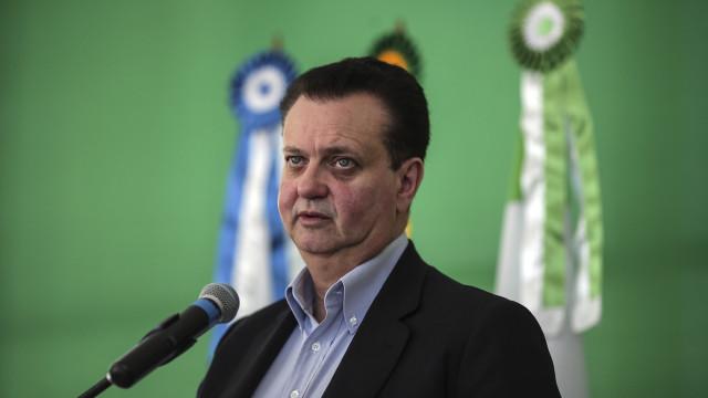 Polícia brasileira faz buscas em casa de ministro suspeito de corrupção