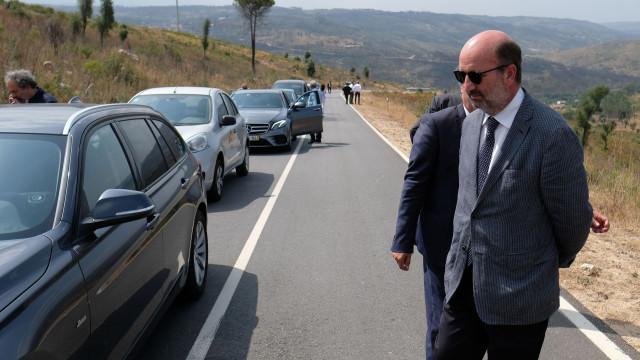 Ministro diz que não há necessidade de pedir reunião urgente a Espanha
