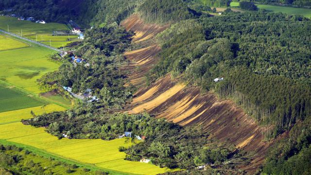 Pelo menos dois mortos após sismo de magnitude 6,7 no Japão