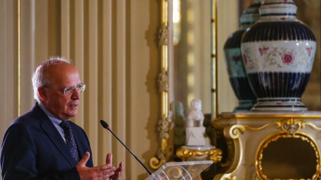 """Ministro define """"linha vermelha"""" após prisão de portugueses na Venezuela"""
