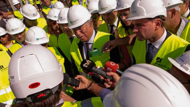 """""""Hoje estamos a fazer aquilo que antes não foi feito"""", diz António Costa"""