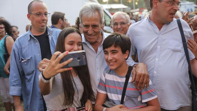 """Jerónimo assume compromisso para mais """"avanços"""" mas quer """"outra política"""""""