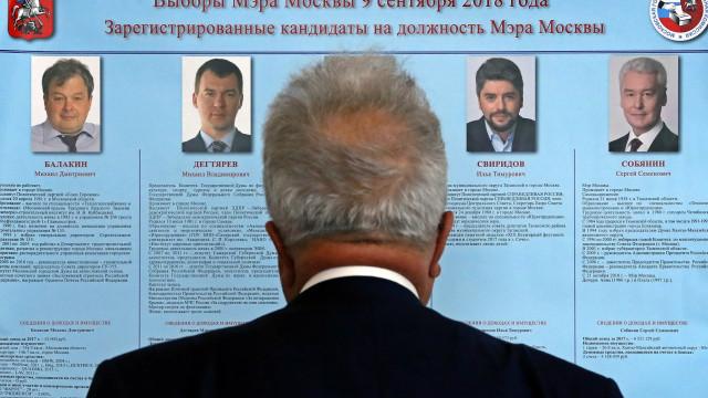 Mais de 63 milhões de russos escolhem governadores regionais e deputados