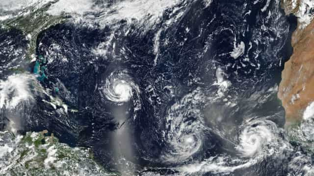 Helene deverá passar a ciclone extratropical nas próximas 48 horas