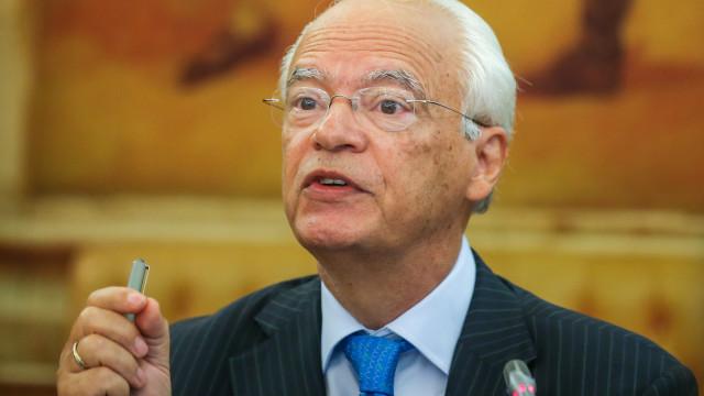 Inquérito: Pinho pediu propostas, mas não voltou a consultar a AdC