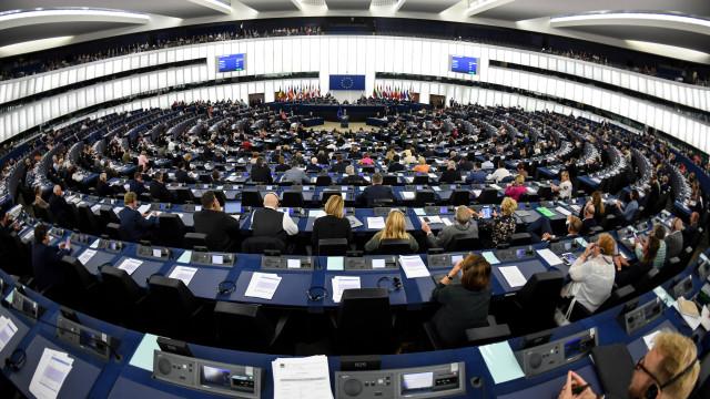 Eurodeputados portugueses divididos quanto à visão de Juncker
