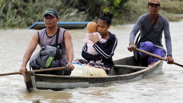 Tufão causa 64 mortos, 33 feridos e 45 desaparecidos nas Filipinas