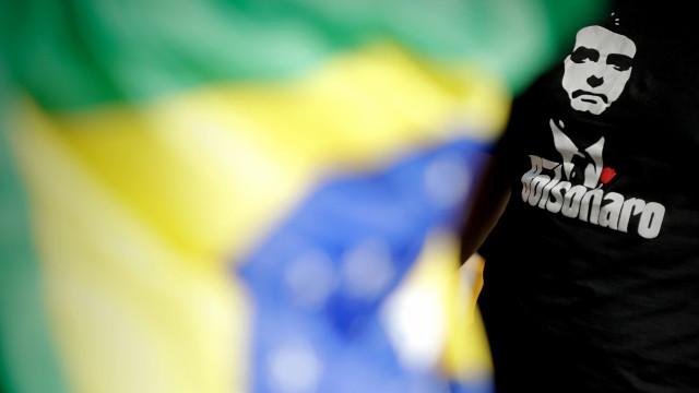 Bolsonaro alcança 41% de intenções de voto em véspera de eleições