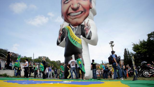 Bolsonaro sugere que PT quer cometer fraude nas presidenciais