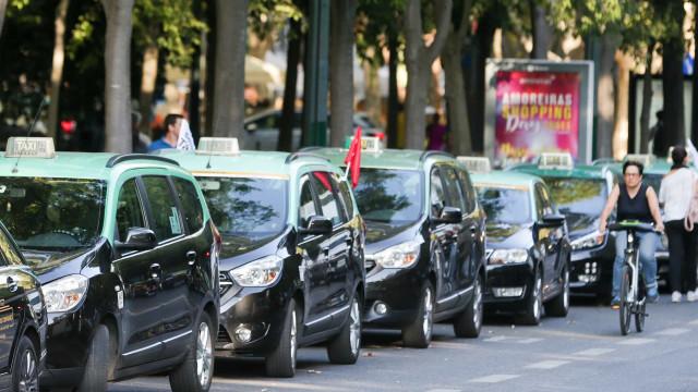 "Promotor de protesto dos taxistas pede ""interlocutor com credibilidade"""