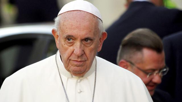 Papa diz que acordo feito com a China tem precedentes e aponta Portugal