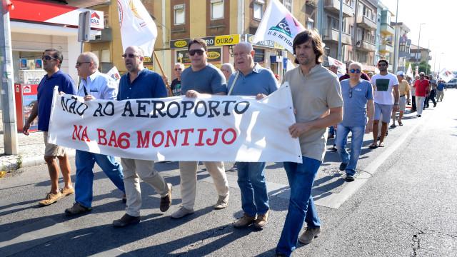Centenas contra novo aeroporto na base aérea do Montijo