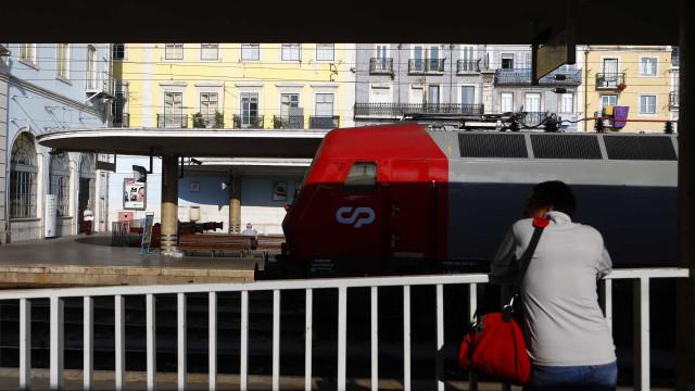 """Suprimidos 388 comboios de 560 em dia de greve com """"adesão total"""""""
