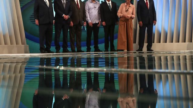 Candidatos às presidenciais no Brasil criticam polarização no país