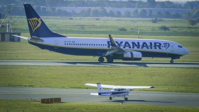 Tripulantes de cabine e Ryanair chegam a acordo para implementar lei