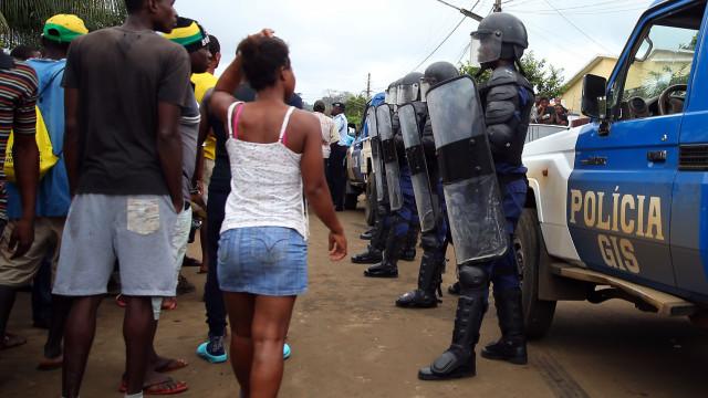 São Tomé: Militares entram no Tribunal Constitucional e são aplaudidos