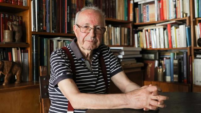 António Borges Coelho distinguido com Medalha de Mérito Cultural