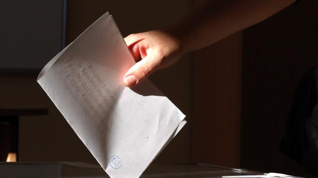 Fracassou referendo para vetar casamento gay devido a baixa participação