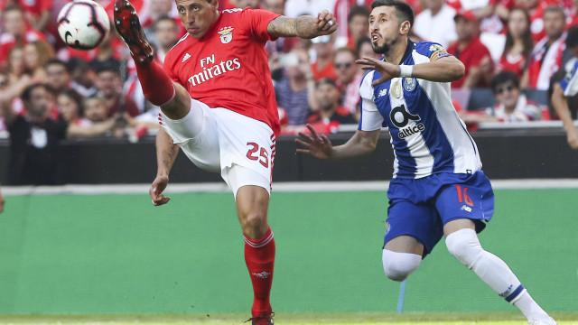 Doze adeptos detidos antes do 'clássico' entre Benfica e FC Porto