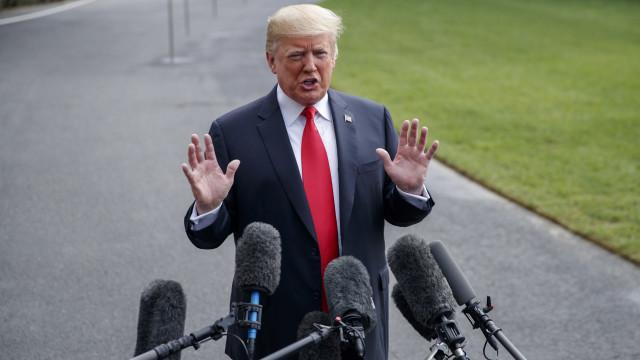 """Trump diz que a Fed """"enlouqueceu"""" em reação à forte queda de Wall Street"""