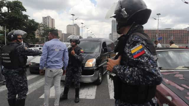 Mais de uma centena de polícias e militares detidos por tráfico de droga