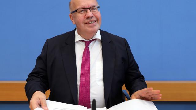 Governo alemão revê em baixa crescimento para este ano e no próximo