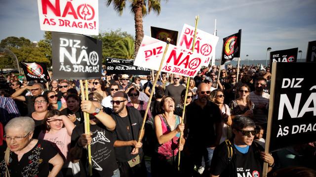 Mais de 500 pessoas em manifestação contra dragagens no estuário do Sado