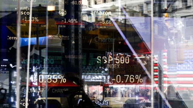 Wall Street fecha em alta em sessão de olhos postos nas eleições
