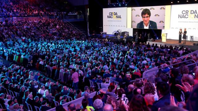 Puigdemont apela à união dos separatistas na convenção do Crida