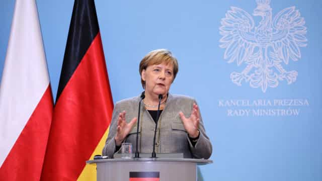 CDU reúne-se hoje para debater sucessão de Angela Merkel na liderança