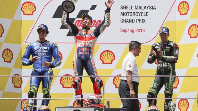 Valentino Rossi 'oferece' 70.ª vitória da carreira a Marc Márquez