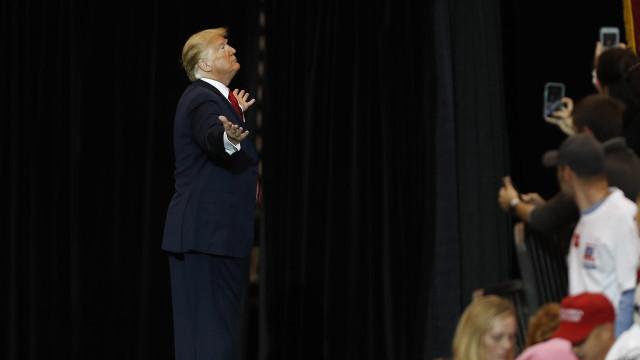 """Republicanos asseguram Senado, Trump fala em """"tremendo sucesso"""""""